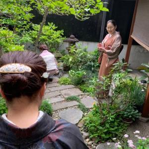4月の着物deランチ2     I邸での茶道体験