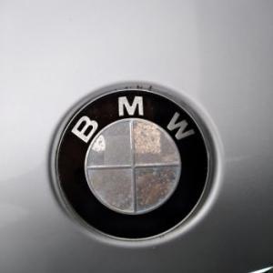 BMW E46 エンブレム交換