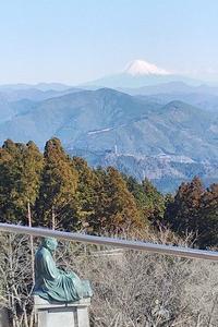 粟ヶ岳に上る
