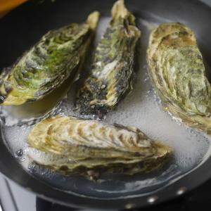 殻付き牡蠣で贅沢な晩ご飯に