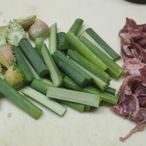 にんにくの芽と牛コマの炒め物