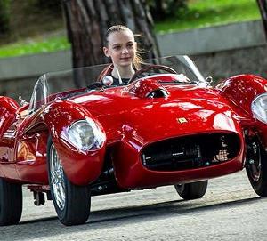 子供サイズのフェラーリ250テスタロッサJがカッコいい
