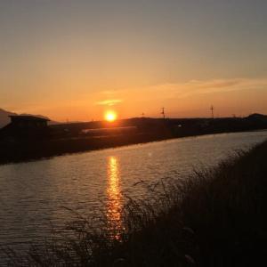 夕日のような朝日