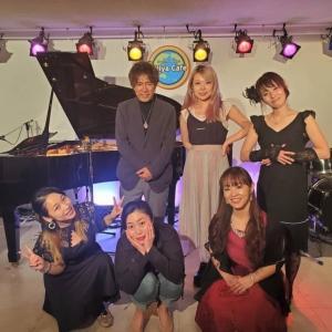 次回ライブは 12/5 #おうちクリスマス #ライブ配信 17:40出演!