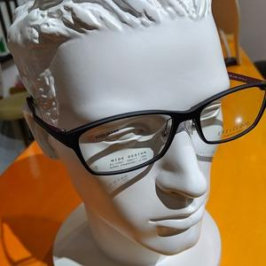 ラインでの販売眼鏡でした