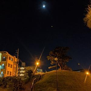 シュガーヒルと月