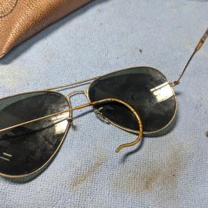 古い古いレイバンサングラスの整備
