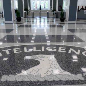 暴かれたスイスを舞台にした米独情報機関の秘密工作活動