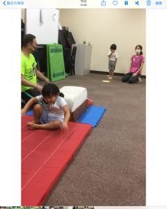 孫の、体操教室。