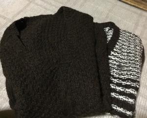 義母の手編みのベスト。