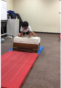 孫の体操教室。