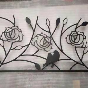 薔薇が咲き誇る