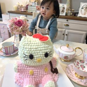 可愛すぎる♡キティーちゃんケーキ