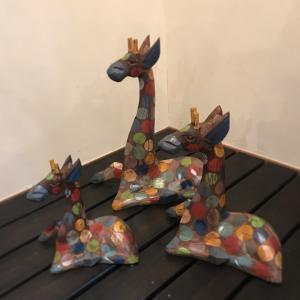 【new item】木彫りキリンの置物