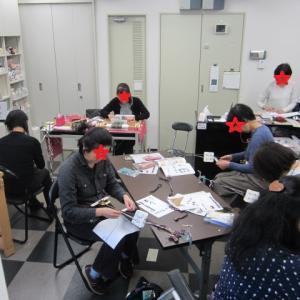 全国手織りセミナー東京②会場の様子+カード織り満喫さんのベストはサグラダファミリアのようです。