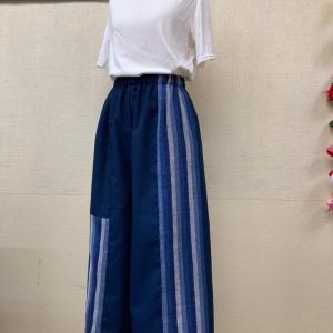 これはステキ!!あしなが見せ効果抜群のロングワイドパンツはマリオネットさんの織った木綿のカツオ縞