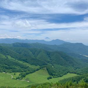 飯盛山と富士山