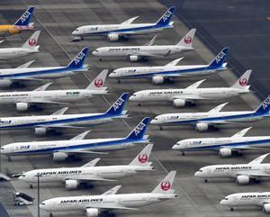 ANAは、客室乗務員6400人を一時帰休、人件費などで1,000億円の借り入れ!