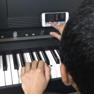スマホの時間が、終わったらピアノの練習を始めた長男