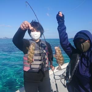 女性2名様で船釣りをお楽しみ。