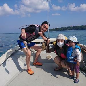 お子さんと船釣りをお楽しみ。