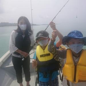 親子でチョイ投げ釣りをお楽しみ。