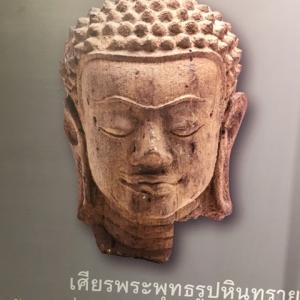ハリプンチャイ期仏像頭部 比較