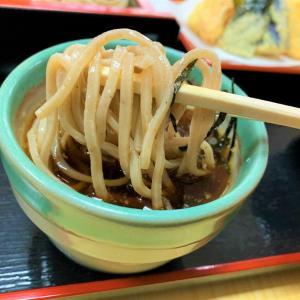 青森県横浜町 下北半島のそばの人気店、檜屋で絶品の天ざるそばを食べる。