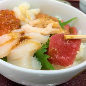 青森県むつ市 北彩市場 下北名産センターで新鮮な海の幸を味わう。
