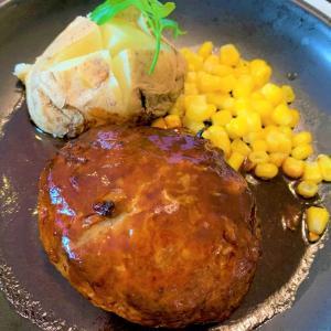 青森県むつ市 小川町の隠れ家的老舗で絶品のハンバーグを食べた【喫茶&レストラン薔薇】