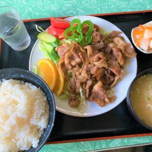 青森県むつ市 ディープな下北半島の、ディープな食堂で、名物マトン定食を食べる【関食堂】