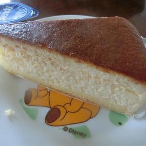 朝 ケーキ(水戸市本町の「クローバー」さん)と、、、牛乳・・・にcoffeeポーション淹れて~