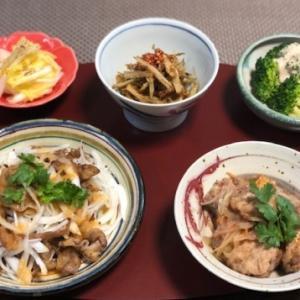 カリカリ豚バラと新玉のサラダ・ブロッコリーと自家製明太子マヨ