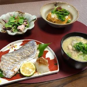 太刀魚塩焼き・きのこたっぷりお味噌汁