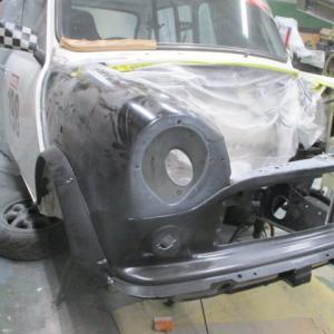 レーシングカーの修理(4)
