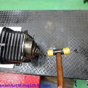 Y.MさんのZ1エンジンオーバーホール その2~シリンダー&ライナーの状態