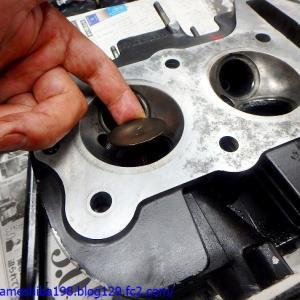 Y.MさんのZ1エンジンオーバーホール その3~バルブ&バルブガイドの状態