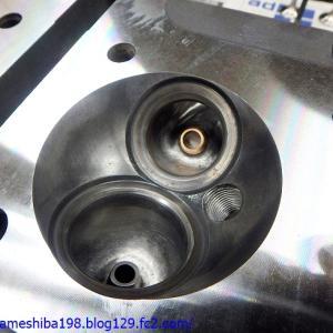 OさんのGS1000エンジンオーバーホール その8~シリンダーヘッドバルブ周りの組み立て