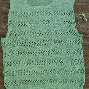 透かしボーダーのリベンジプルオーバー 見頃編みあがりました