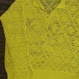 方眼編みのポロシャツセーター片袖編めました