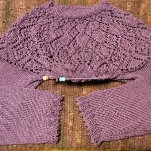 ネックから編む大人のニット アレンジ透かしヨークセーター 両袖編めました