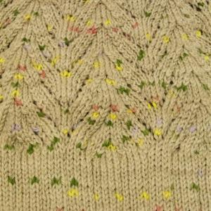 ヨーロッパの手あみ 透かし模様の丸ヨークセーター  ヨーク編みあがりました