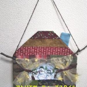 生徒さんクリスマス作品と壁のクリスマスコーナー