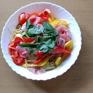 男の適当料理(冷製スパゲティ)イカは夏休み中