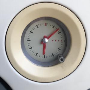 激安車、初代ラパンの良いところ  アナログ時計