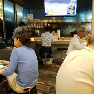 柳橋市場の食堂で取引先と一杯 ...m(_ _)m