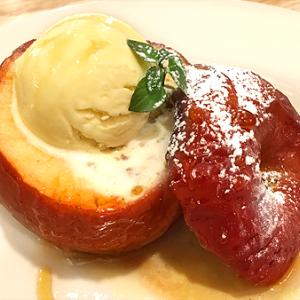 今年も始まりました!「つばめグリル」の寒い季節のおたのしみデザート「丸ごと焼きりんご」