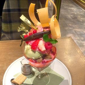 東京ミッドタウン日比谷「デリーモ」 令和最初のクリスマスをゴージャスに飾る!「ラストクリスマスパフェ」