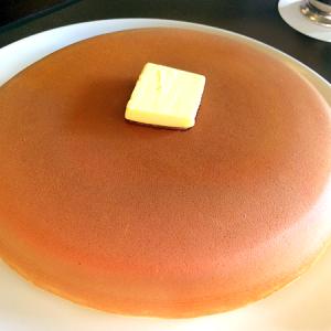 1月25日はホットケーキの日!頬ずりしたくなる美肌の持ち主「ウエスト青山ガーデン」の「ホットケーキ」