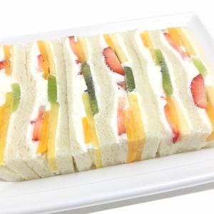 日本橋「千疋屋総本店」 究極のバランス感と断面美!「フルーツサンドイッチ」